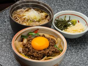 馬追ニラ玉子ひき肉(日帰りパック).jpg