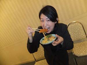 6宗原さん実食.jpg
