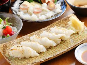 4-1ローレル-メイン寿司.jpg